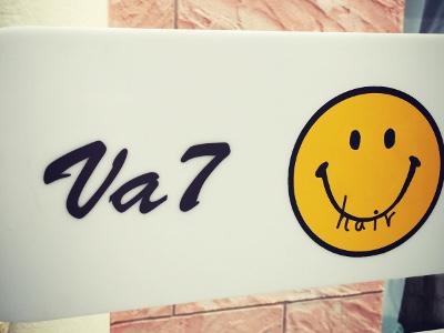 『Va7(ブイエーセブン)』さん店舗ロゴ